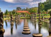 Амлапура, водный сад, восточный Бали, тиртаганга